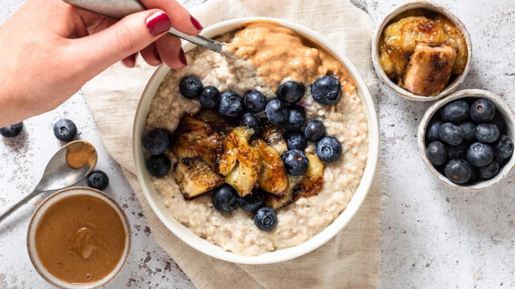 Caramelised Banana. Blueberry and Peanut Butter Porridge